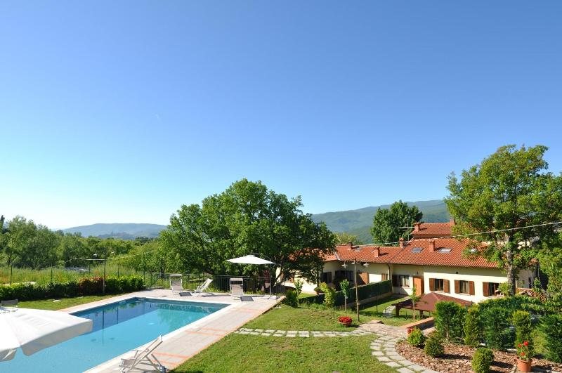Villa with private pool set in the countryside - Image 1 - Pratovecchio - rentals