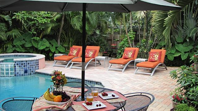 FRANCE HOUSE, 3Bed/3Bath Luxury Home with Pool - Image 1 - Fort Lauderdale - rentals