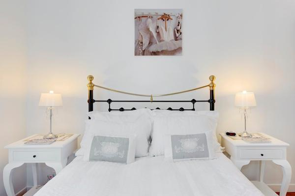 Romantic double bedroom - Renoir- Lovely 2 Bedroom Nice Apartment with - Nice - rentals