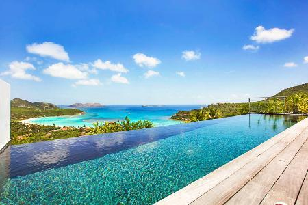 Dazzling  Isa Villa with infinity pool and sundeck overlooking the bay - Image 1 - Saint Jean - rentals