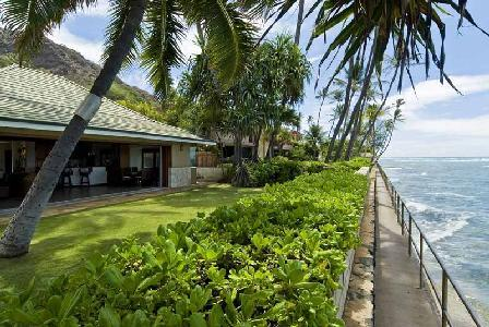 Oceanfront Diamond Head Tiki Estate - Enjoy Alfresco Dining with a Fabulous View - Image 1 - Diamond Head - rentals
