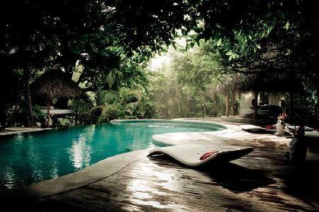 Beachfront Villa Casa Capitan has fabulous grounds, massage area and large staff - Image 1 - Santa Teresa - rentals