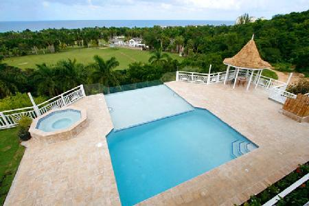 Ocean view Fairway Manor- near beach & golf, infinity pool- jacuzzi & staff - Image 1 - Montego Bay - rentals