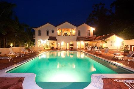 Multi-level Summerhill Villa features Spanish architecture, freshwater pool & full staff - Image 1 - Montego Bay - rentals