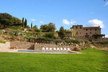 Peaceful Il Colombaio boasts vineyard views, pool and lush gardens - Image 1 - Chianti - rentals