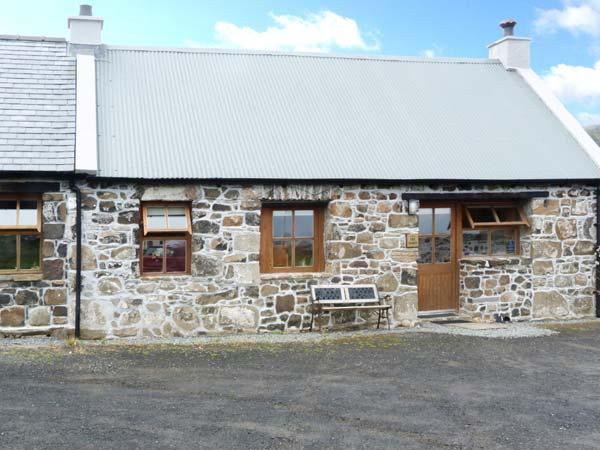 THE BARN, pet friendly in Staffin, Isle Of Skye, Ref 5690 - Image 1 - Staffin - rentals