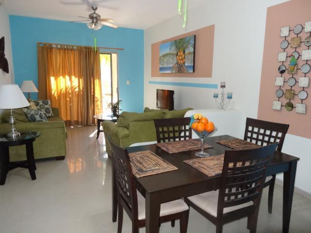 open living room/dining room - CASA BONITA - UPGRADED 2 BR, at COCO BEACH - Playa del Carmen - rentals