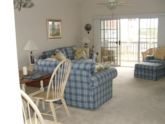 Living Area from Foyer - Barefoot Resort ..GREAT FALL RATES!! Wifi ALL Inclusive. - North Myrtle Beach - rentals
