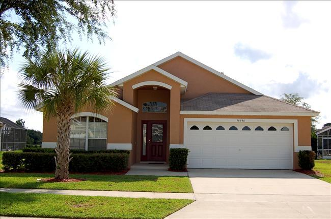 Pelican Vacation Home Disney-5 Bedroom 4 Bath, Orange Tree Resort, Private Swimming Pool - Image 1 - Clermont - rentals