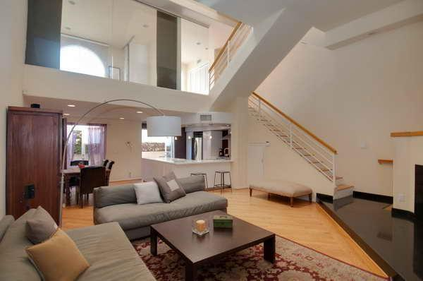 Living Area - Ocean View, Modern Spacious Townhouse - Sleeps 7 - Santa Monica - rentals