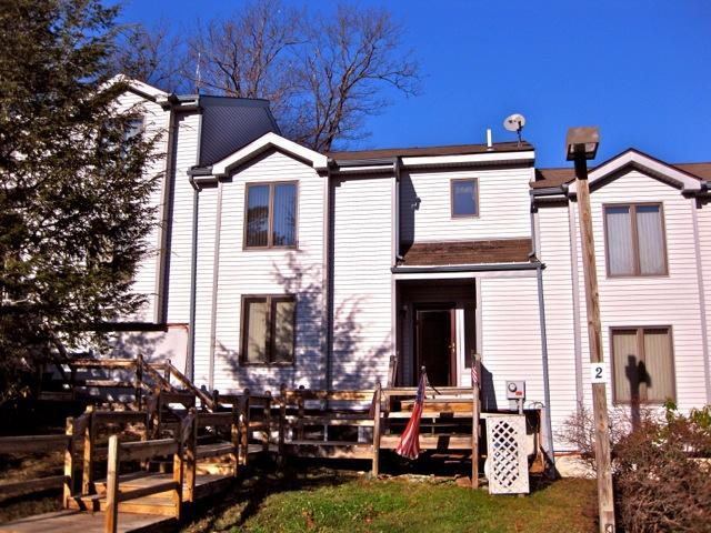 Front View - Literally across road from entrance to BIG BOULDER - Lake Harmony - rentals