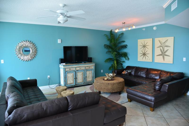 Spacious main room - appx 600 sq ft! (2) leather sectionals, WALL OF GLASS - Teeny Bikini Price for  XXL Views and Luxury - Gulf Shores - rentals