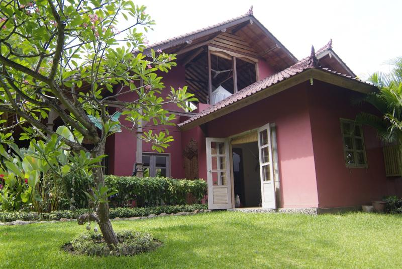 Outside of the villa - authentic 3 to 4 bedroom villa with private pool - Pemuteran - rentals