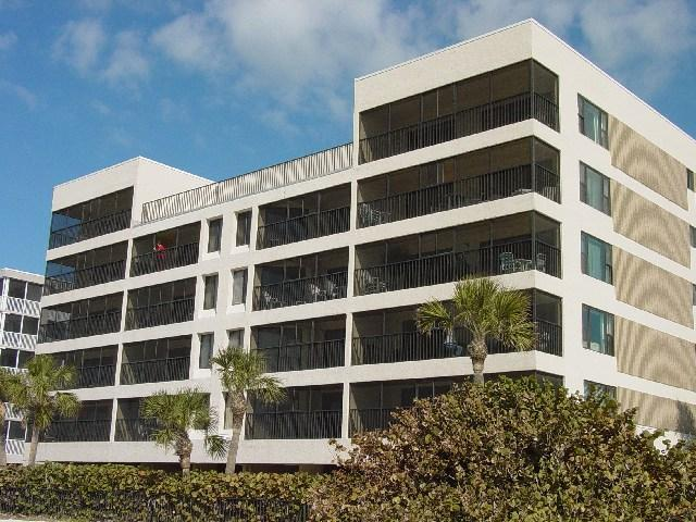 Beautiful Large Beachfront Unit 303 Aire Dam - Image 1 - Madeira Beach - rentals