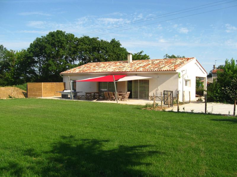 3 bedrooms house - middle of French Atlantic Coast - Image 1 - Surgeres - rentals