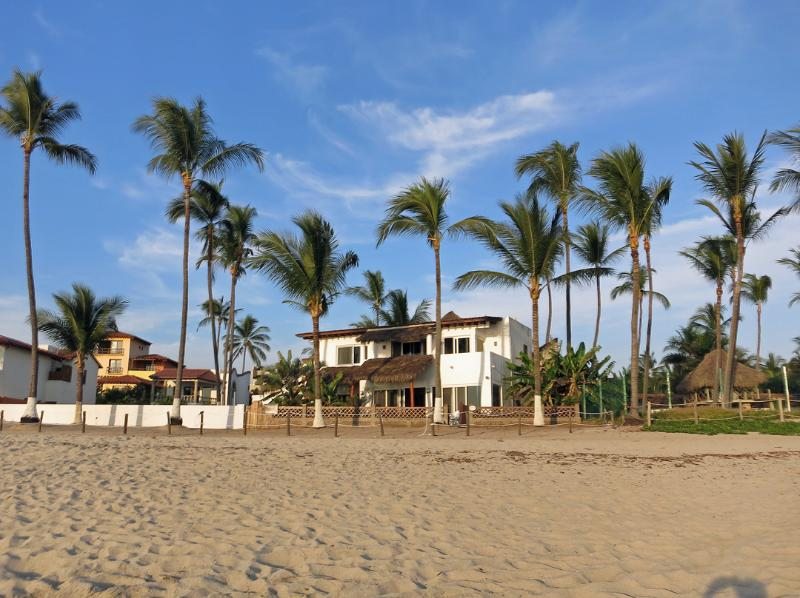 Casa Inglesa, Bucerias, Nay. - Casa Inglesa A Three Bedroom Villa On The Beach - Bucerias - rentals