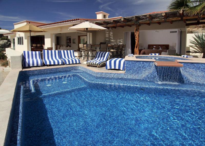 Sparkling Blue Pool - Villa Del Toro Rojo - 6BR Luxury Ocean View Villa - Cabo San Lucas - rentals