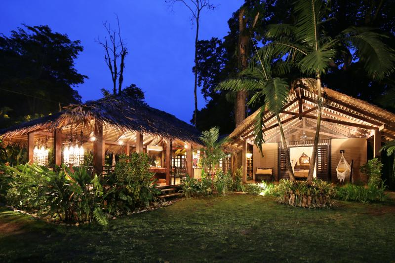 House at dusk - 3BR Luxury beach Villa: Pool, Jacuzzi, Billiards - Puerto Viejo de Talamanca - rentals