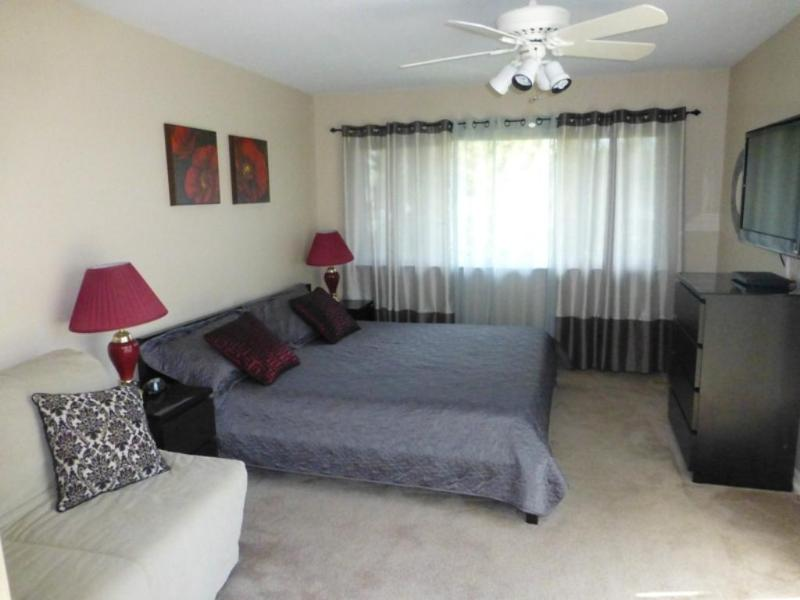 Master Bedroom (King and Full Pull ) - Seashore Delight- 100 Yards to the Beach-Oceanside - Virginia Beach - rentals