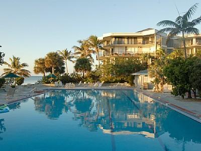 Olympic sized heated pool located right on the ocean. - Luxury 2Bed/Bath condo on the beach. (Sleeps 6) - Key West - rentals