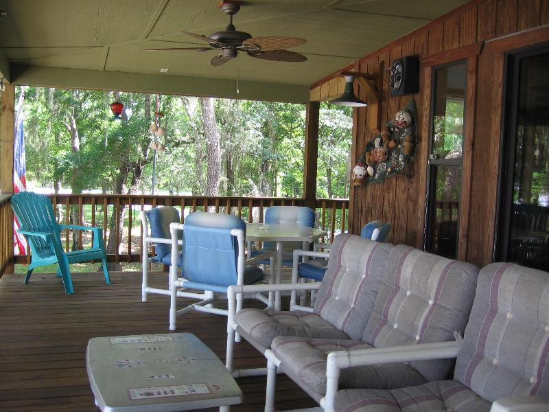 Deck - Wolf River Den on the Suwannee River, FL - Old Town - rentals