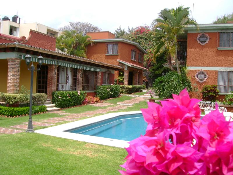 "Beautiful garden and pool. - Villas ""La Pradera"" w/beautiful Garden and Pool - Cuernavaca - rentals"