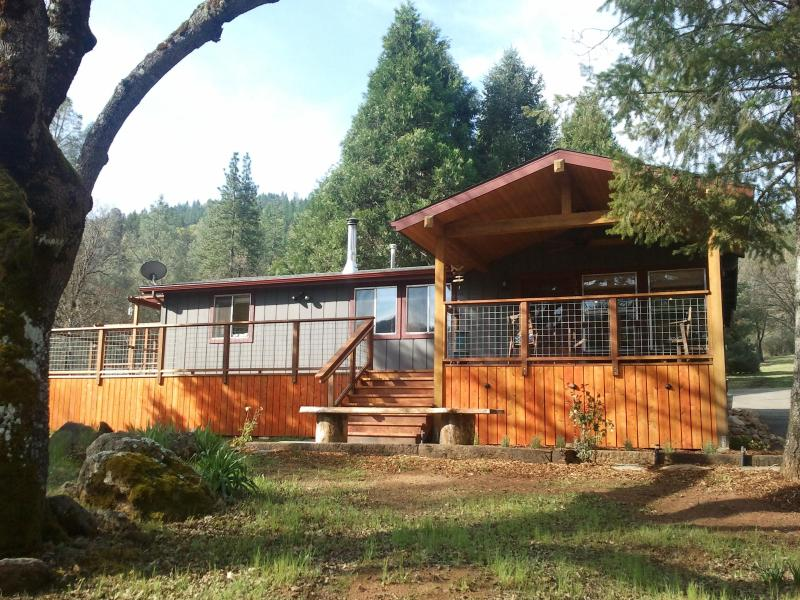 Midpines House -Yosemite's Favorite Basecamp- Spa! - Image 1 - Yosemite National Park - rentals