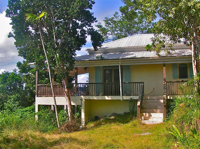 Peace and privacy await you at this mt. top retreat - Private & Peaceful Retreat Atop Bordeaux Mountain - Saint John - rentals