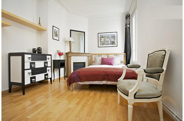 Bright and Quiet Parisian Apartment close to metro - Image 1 - Paris - rentals