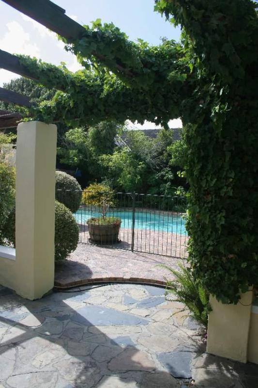 Solar-heated pool - Morning Star Cottage - peaceful and private B&B - Cape Town - rentals