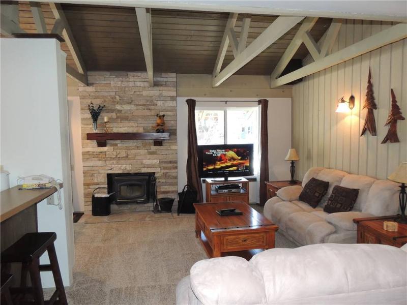 Seasons 4 - 1 Brm loft - 1 Bath , #200 - Image 1 - Mammoth Lakes - rentals