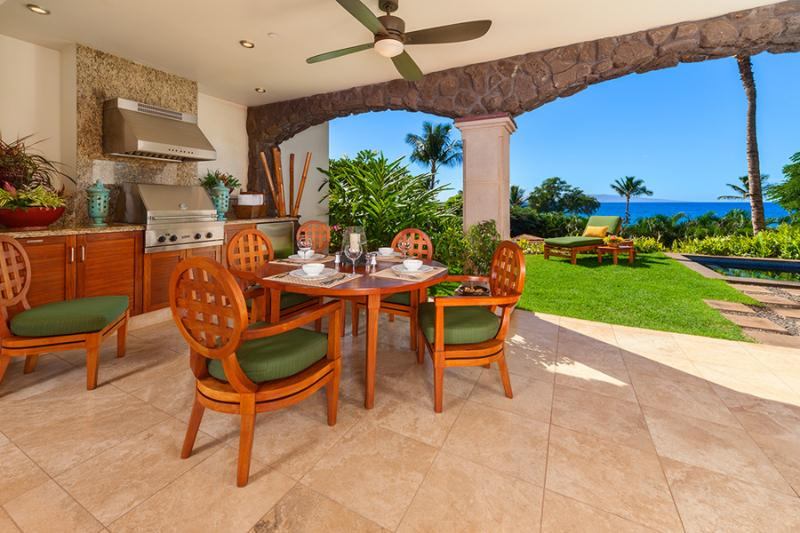 True Indoor/Outdoor Living with Ocean Views, Covered Veranda, Plunge Pool, Lawn and Garden, Viking Gas Grill, Bar Fridge, Patio Dining - Your Own Private Paradise at Coco Palms Pool Villa D101 - Coco Palms Pool Villa D101 at Wailea Beach Villas - Wailea - rentals