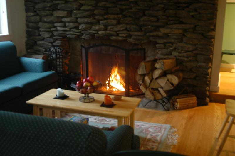 Firewood is provided - Vermont Sugarbush Skiing Mad River Rental - Waitsfield - rentals