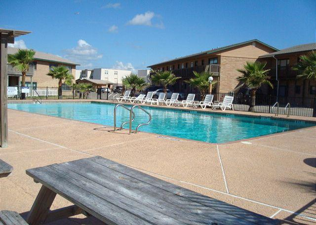 2 bedroom 2 bath condo at beachfront Sea Isle Village! - Image 1 - Port Aransas - rentals