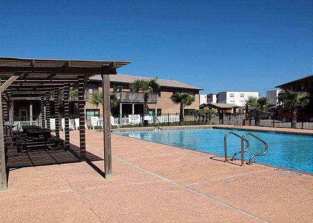 Sea Isle Village 1st floor condo, beach access, views the community pool - Image 1 - Port Aransas - rentals