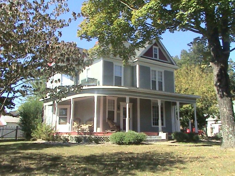 The Old Coe House Bed & Breakfast - Image 1 - Burkesville - rentals