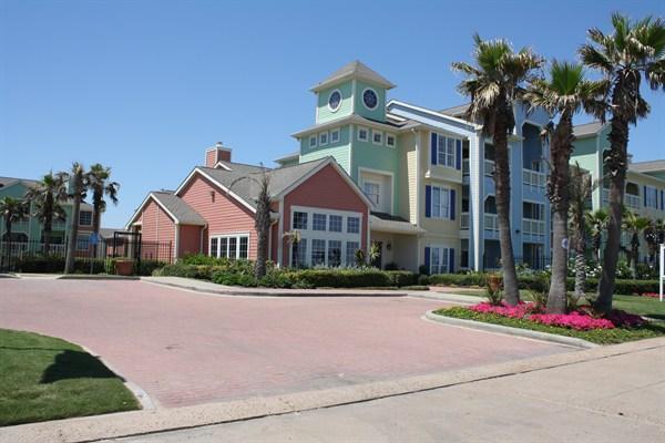Front of building - Beautiful Ocean Front 2 Bedroom Condo - Galveston - rentals