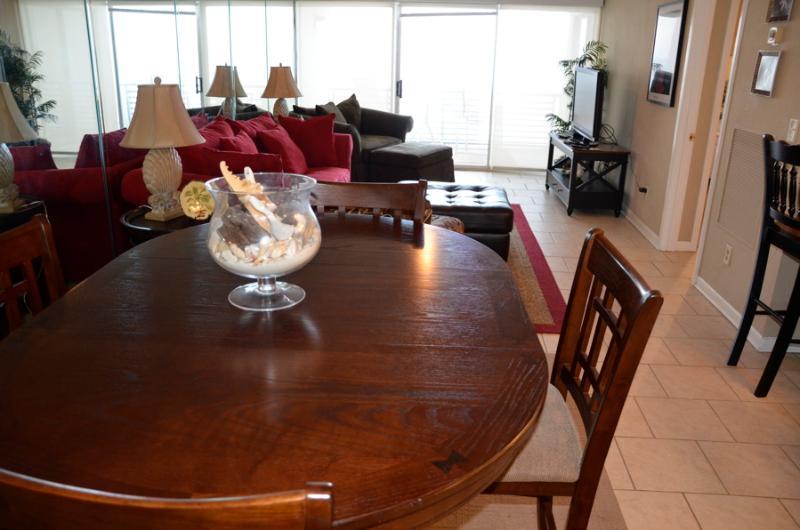Pet Friendly 2 Bedroom Condo at Gulf Gate - Image 1 - Panama City Beach - rentals