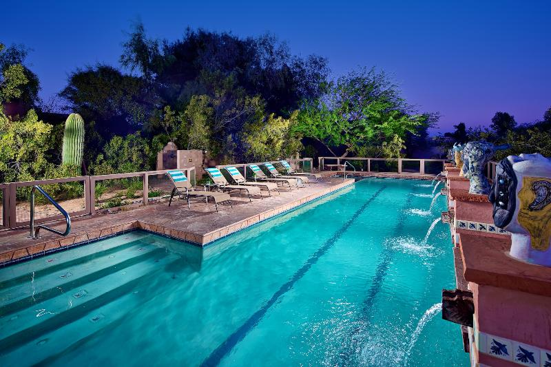 Large heated pool and hot tub! - Great Value! Central Location! Must See! - Scottsdale - rentals