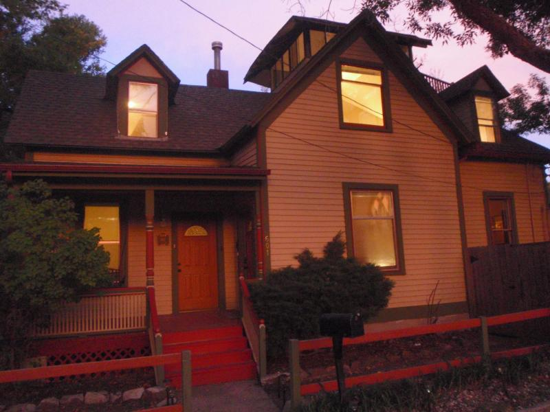 Charming home in the heart of downtown - Great 2015 Rates **Old World Charm + Eagles Nest - Colorado Springs - rentals