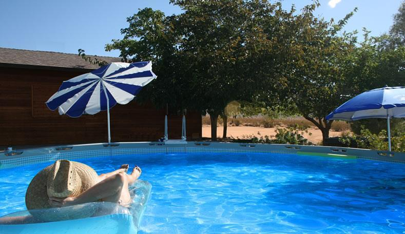 Relaxing in the pool - On the Border of the Nation Park with VIEWS! - Joshua Tree - rentals