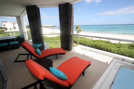 Beachfront ocean view terrace with Jacuzzi - True Beachfront Golf Course Condo - Corazon - Playa del Carmen - rentals