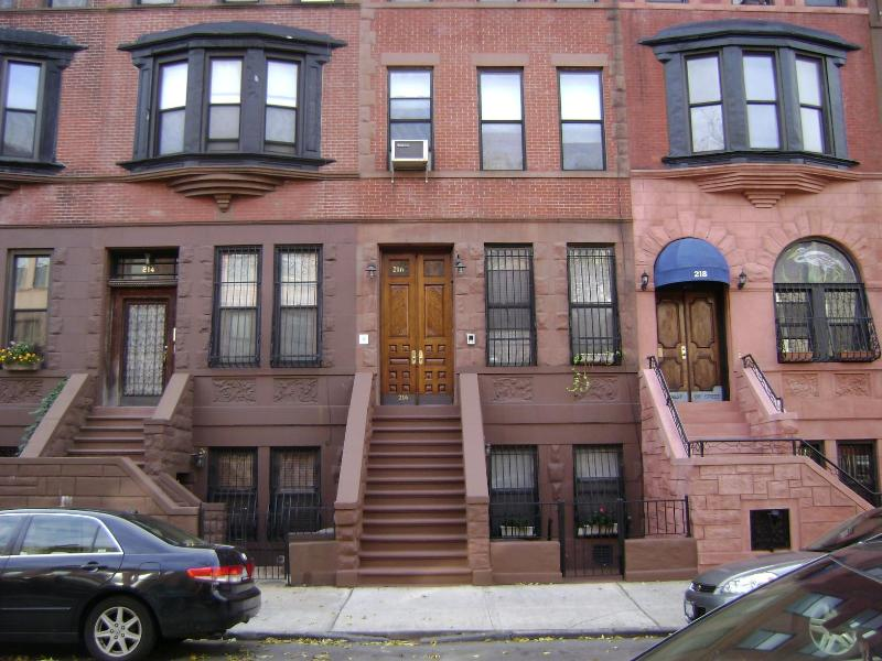 2 bedroom duplex apartment - Image 1 - New York City - rentals
