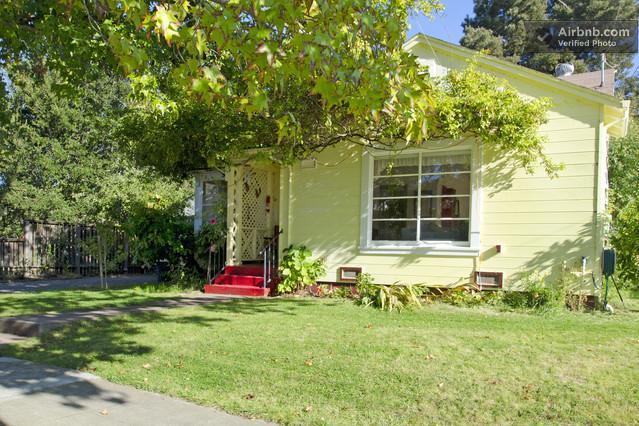 Vintage Petaluma Home with small town charm - Image 1 - Petaluma - rentals