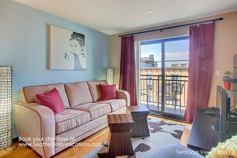 1 Bedroom Territorial View Oasis-Walk to the Market! - Image 1 - Seattle - rentals