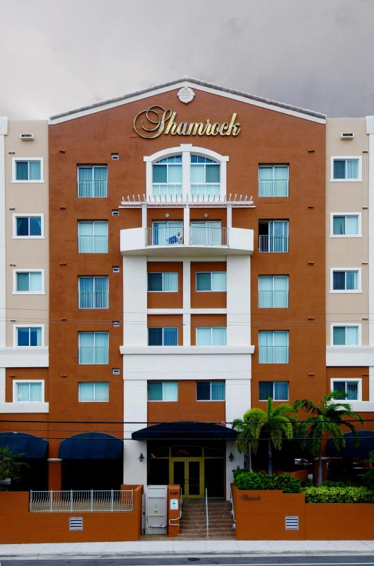 Two Bedrooms Two Bathrooms in Coral Gables - Image 1 - Coral Gables - rentals