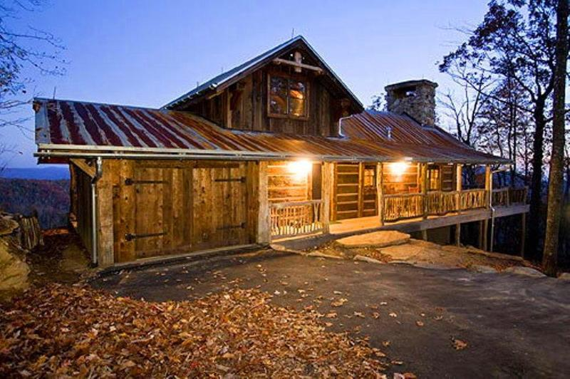 Sapphire heaven is a rustic cabin built from 200 year old timbers, located on a gated private estate - Luxury Rustic Cabin with SPECTACULAR View! - Sapphire - rentals