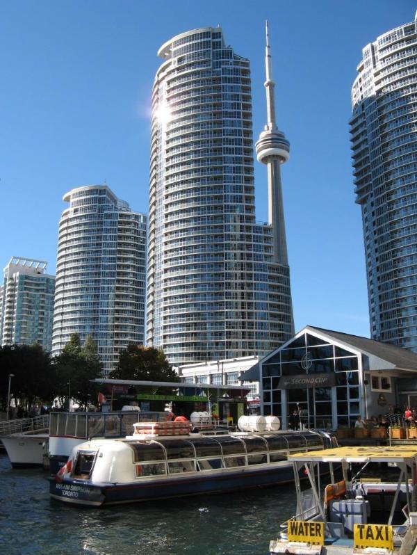 Luxury 2 Bedroom Plus Den Waterfront Condo - Image 1 - Toronto - rentals