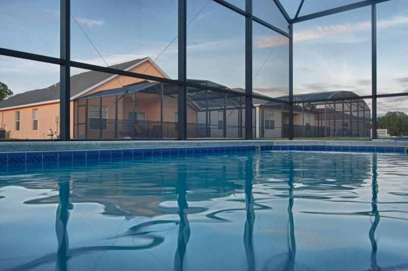 Ruby Red House, Amazing Vacation Home in Kissimmee - Image 1 - Kissimmee - rentals