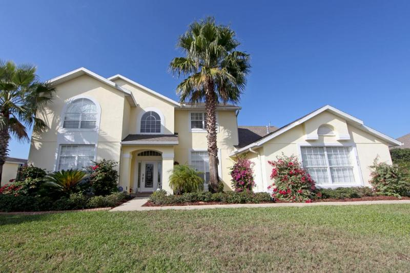 Front Exterior - Private Pool Large Spa, WIFI, Ultimate Games Room! - Kissimmee - rentals